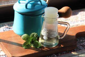 【ミントシロップの作り方】パリのカフェで定番の炭酸ミントウォーターを再現